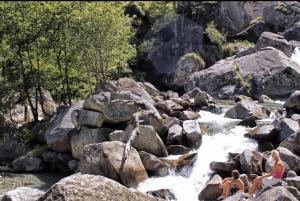 Massi sul fiume Bavona